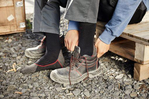 Туристически чорапи - цвят Черно/Червено