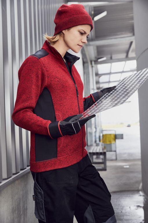 Плетена шапка - цвят Червен Меланж/Черен