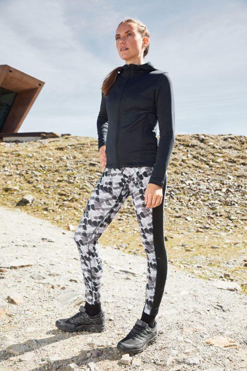 Дамски спортен суичър - цвят Черен